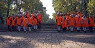 Трогательный ролик о бишкекском Тазалыке — поют дети