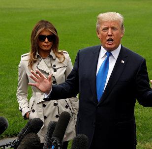 АКШнын президенти Дональд Трамп биринчи айым Мелания менен