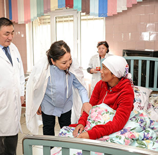 Памирден алып келинген кыргыз келин Жанбүбү Маматзайым кызы уул төрөдү