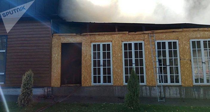 После пожара в 7-ми кафе Бишкека завели уголовное дело