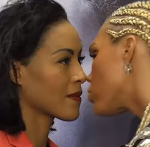 Поцеловала чемпионку мира и проиграла нокаутом — видео