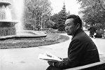Кыргызский поэт и драматург Жалил Садыков, фото из сайта Википедия