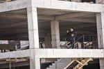 Бишкекте ураган курулуш милиция кызматкерлери. Архивдик сүрөт