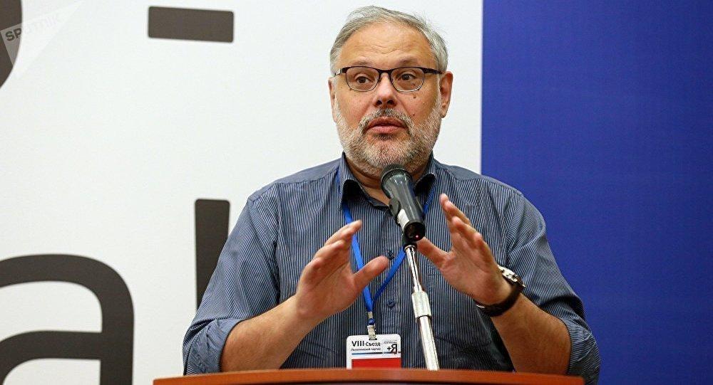 Известный экономический эксперт Михаил Хазин. Архивное фото