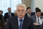 Архивное фото министра оборонной и аэрокосмической промышленности Казахстана Бейбута Атамкулова