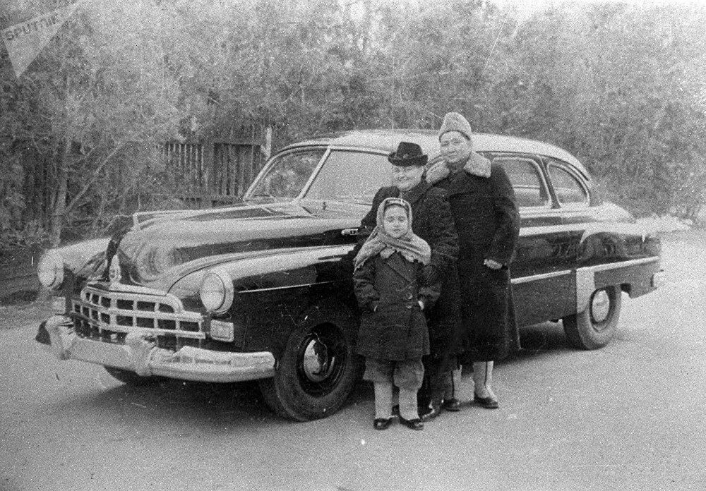 Исхак Раззаков өмүрлүк жары жана кызы Элмира менен