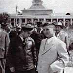 Легендарлуу учкуч Ишембай Абдраимов жана Исхак Раззаков. Фрунзе аэропорту, 1958-жыл