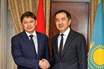 Кыргызстан менен Казакстандын өкмөт башчылары Сапар Исаков менен Бакытжан Сагинтаев эки тараптуу жолугушуу учурунда