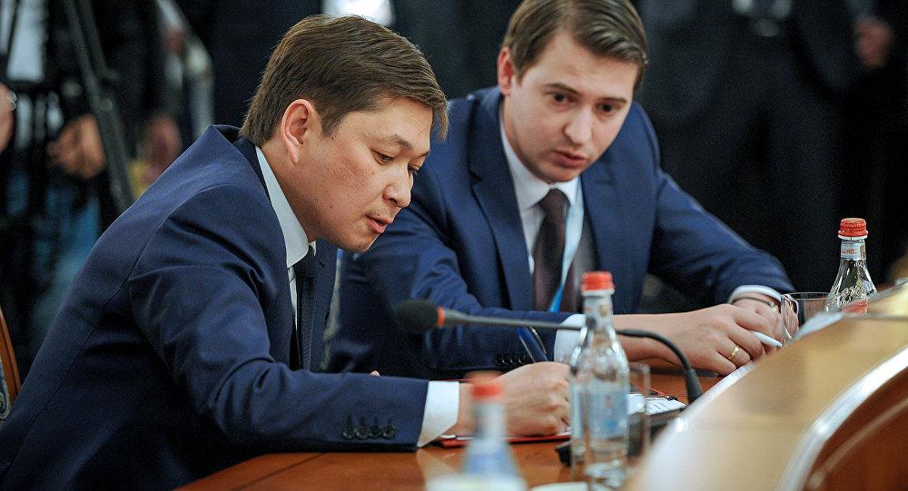 Экономика министри Артем Новиков жана Сапар Исаков