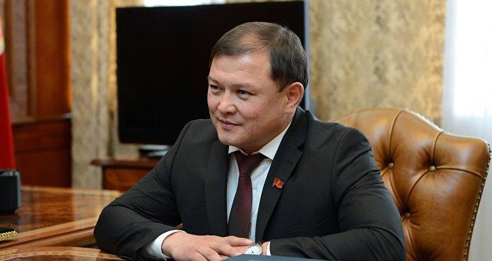 Встреча президента КР Алмазбека Атамбаева с торага ЖК Дастанбеком Джумабековым