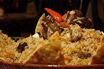 Все в Бишкеке заказывают это блюдо: рецепт вкуснейшего плова-пирога