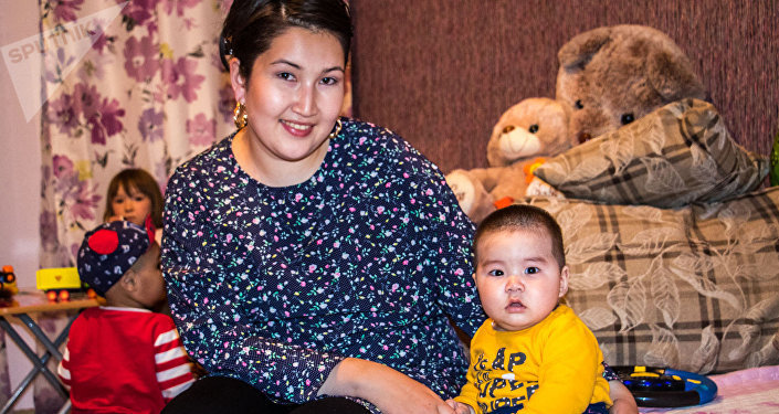 Семья кыргызстанского бойца ММА в тяжелом весе Тилека Жээнбекова