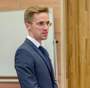 Эксперт Российского института стратегических исследований (РИСИ) Максим Лихачев во время круглого стола