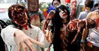Девушки на празднике Хэллоуин в городе Кавасаки, Япония