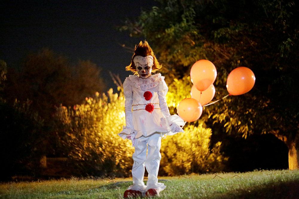 Мальчик в костюме клоуна из фильма Оно на вечеринке в Сьюдад-Хуаресе (Мексика)