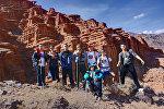 Клуб любителей гор Идем на пик! во время похода в горы с ЛОВЗ