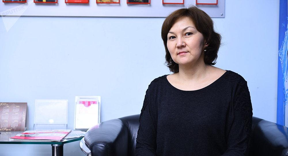 Архивное фото врача Национального центра онкологии КР Чынары Батырканова