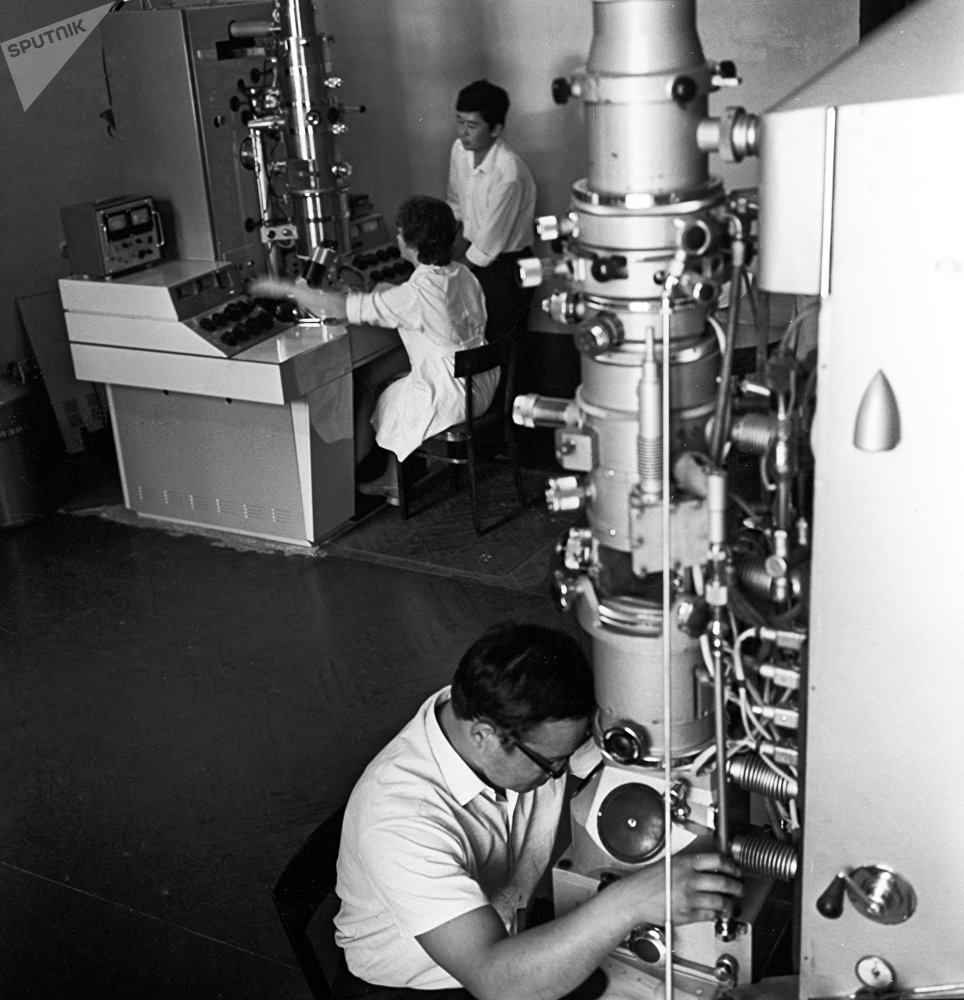 Кыргыз мамлекеттик университетинин лабораторияларынын бири, 1975-жыл