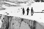 Учёные-гляциологи в горах Тянь-Шаня