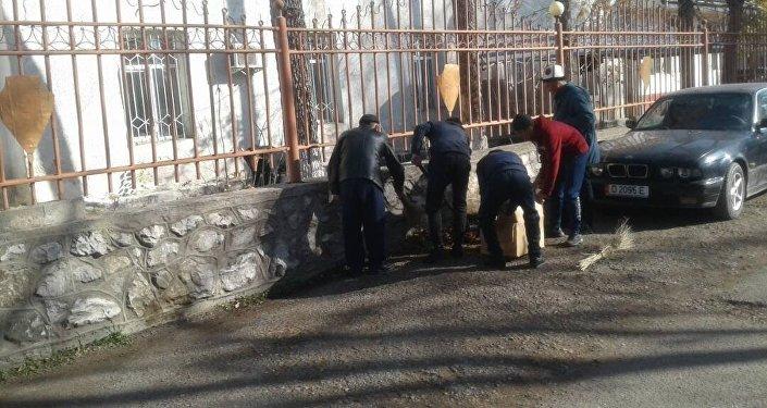 В Джалал-Абадской области 13 человек задержаны за хулиганство на пять суток и приговорены к общественным работам