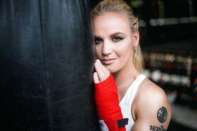 17-кратная чемпионка мира по тайскому боксу по версии К-1 Валентина Шевченко, считается одной из лучших спортсменок в мире по тайскому боксу среди женщин