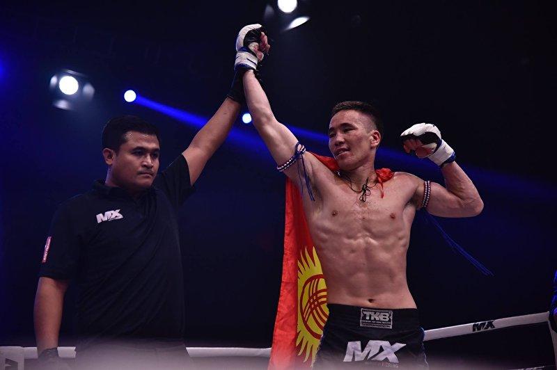 Кыргызстанец Жаныбек Бейшебек уулу на международном турнире MX Muay Xtreme по тайскому боксу