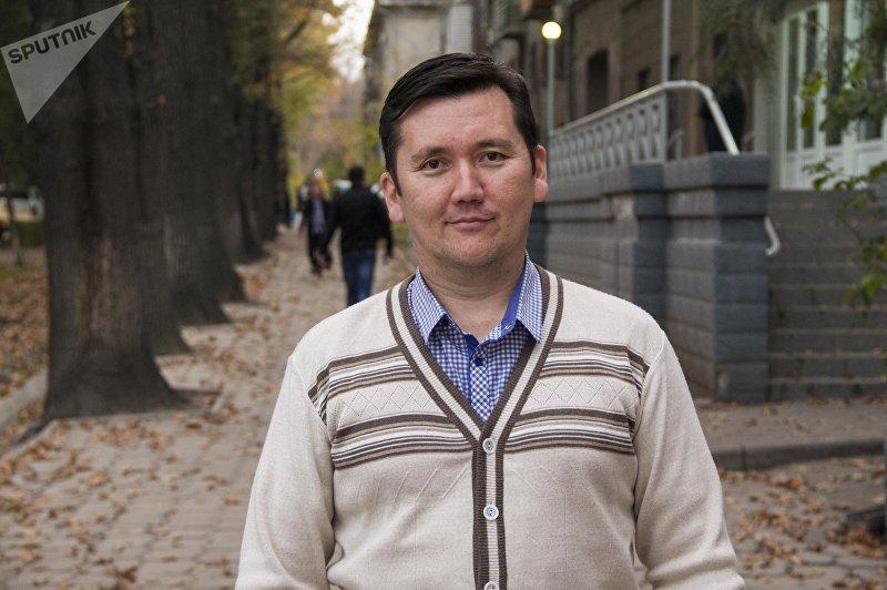 Психолог и инструктор по личной безопасности Ильдар Акбутин во время фотосета