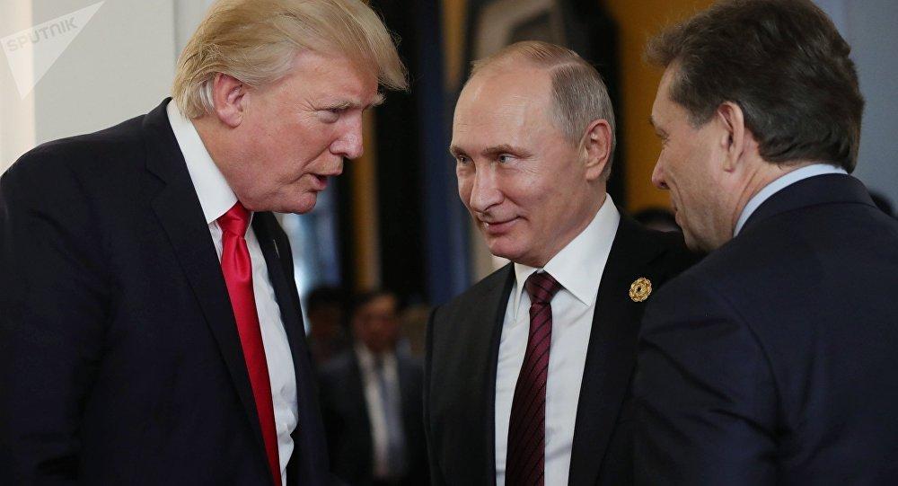 АКШ президенти Дональд Трамп Вьетнамда өткөн Азия-Тынч океан экономикалык кызматташтыгы (АТЭК) саммитинин алкагында Владимир Путин менен болгон жолугушуусунда
