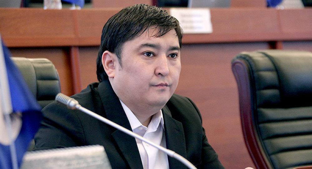 Архивное фото депутата Улана Чолпонбаева