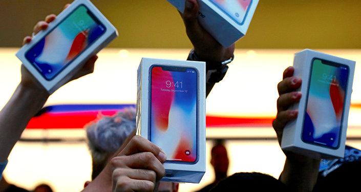 iPhone X телефону. Архив