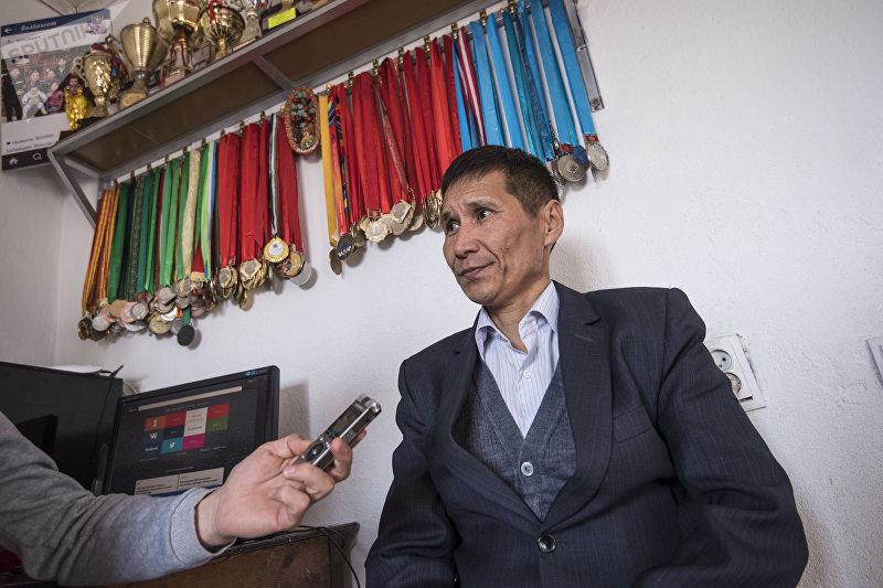 Съездбек Таштакеев вырастивший восемь детей спортсменов