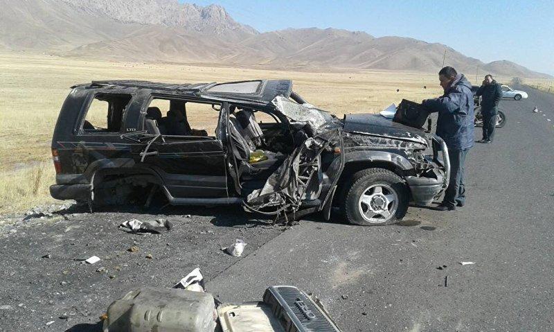 Последствия ДТП автомобиля Opel Monterey в селе Талды-Суу