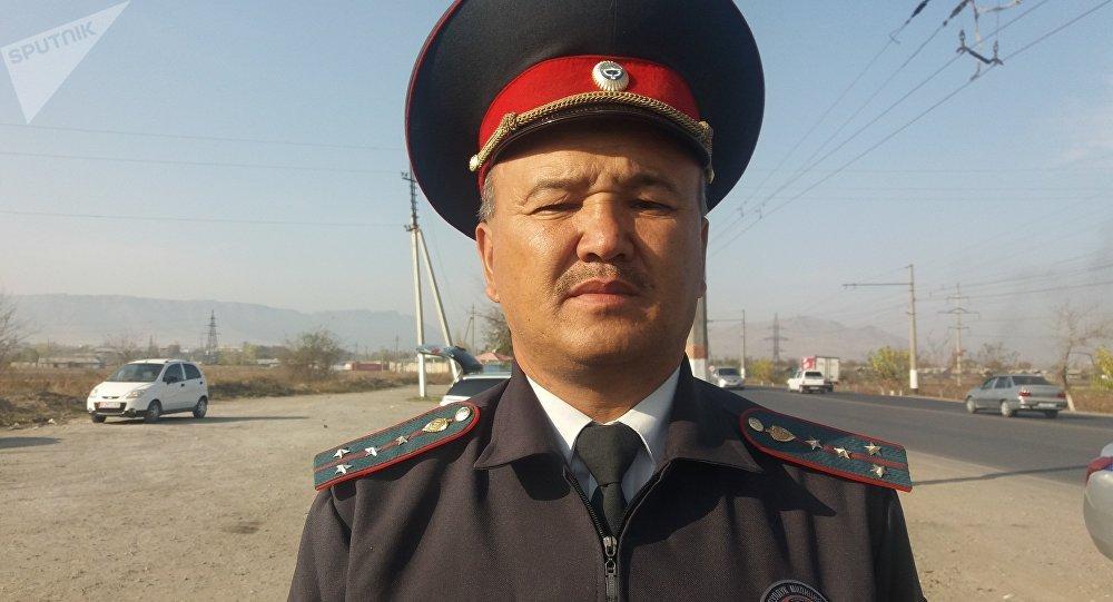 Кайгуул милициясынын өкүлү Алтынбек Теңизбаев
