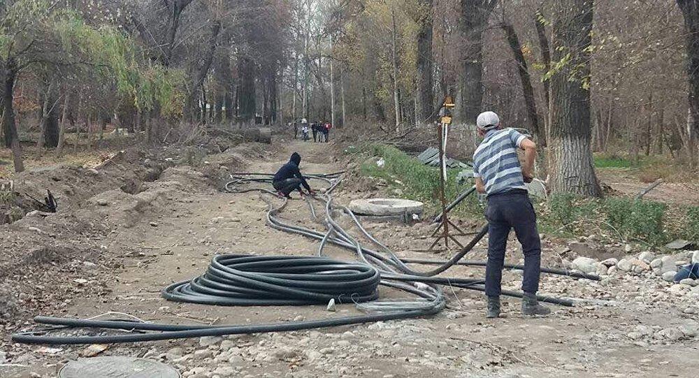 Процесс реконструкции парка Карагачевая роща