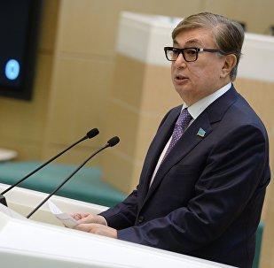 Архивное фото главы Сената парламента Казахстана Касым-Жомарта Токаева