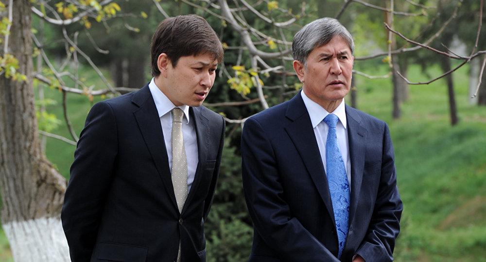Экс-президент КР Алмазбек Атамбаев и нынешний премьер-министр Сапар Исаков. Архивное фото