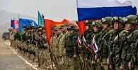 Военнослужащие на церемонии открытия совместных антитеррористических учений государств-членов ОДКБ. Архивное фото