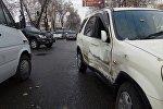 Бишкек шаарынын Горький жана Жукеев-Пудовкин көчөлөрүнүн кесилишинде жол кырсыгы болгондугун Sputnik агенттигинин кабарчысына күбө билдирди
