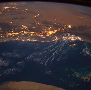 Астронавт космостон метеордун кулаганын видеого тартып алган