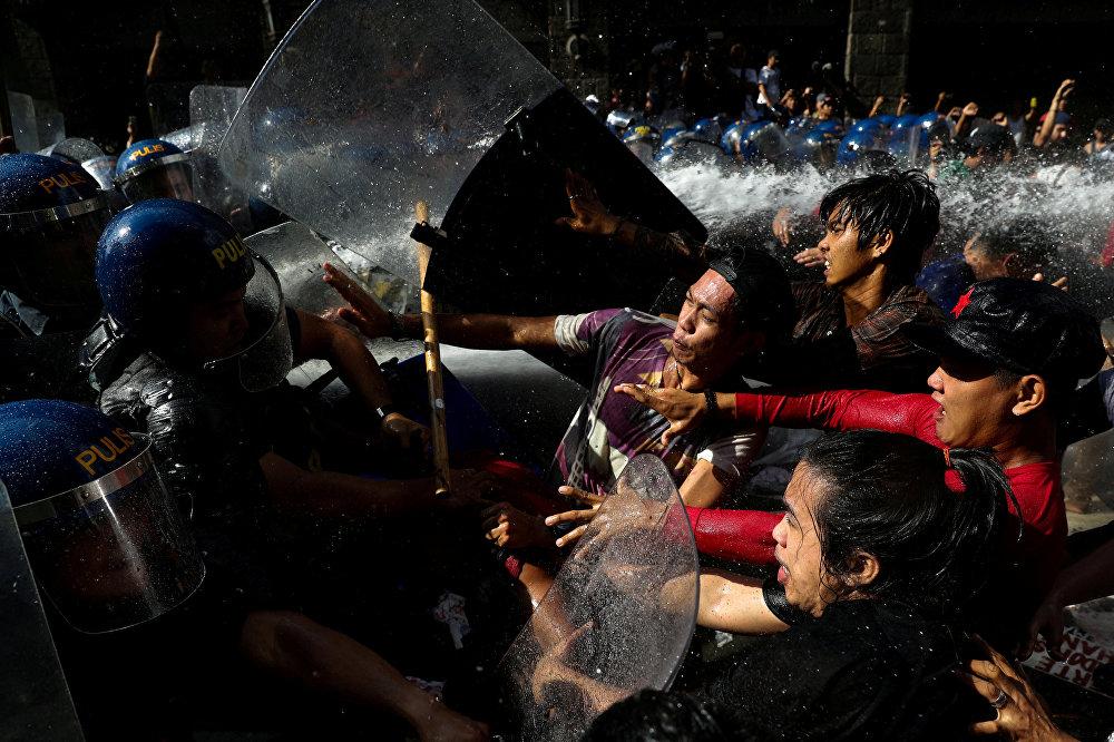 Акции протеста против визита Дональда Трампа в Маниле