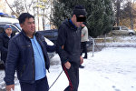 Задержанный мужчина, пытавшийся ворваться в квартиру выпускающего редактора Sputnik Кыргызстан
