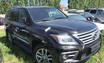 Уурдалган Lexus 570 үлгүсүндөгү унаа