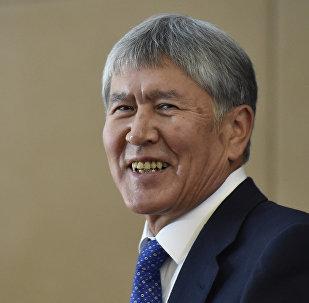 Президент Кыргызской Республики Алмазбек Атамбаев в Государственной резиденции Ала-Арча во время итоговой пресс-конференции. Архивное фото