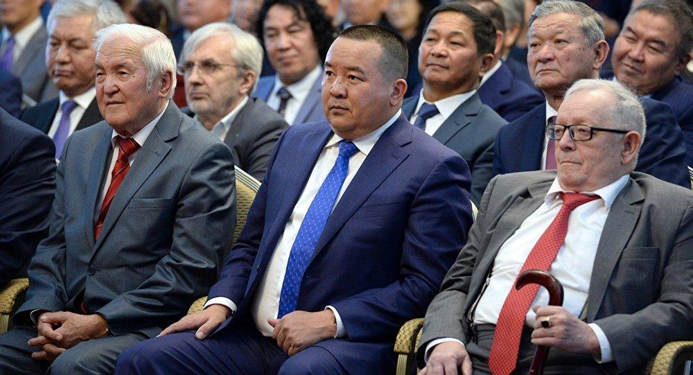 Экс-президент Алмазбек Атамбаевдин мурдагы кеңешчиси Икрам Илмияновдун архивдик сүрөтү