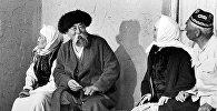 Жылмайган Рыскулов, жарк эткен Күмүшалиева. Көчө тасмасынан таберик сүрөт