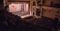 Зрители в театре оперы и балета. Архивное фото