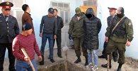 Подозреваемый в убийстве мужчина 22-летней девушки во дворе дома в Джалал-Абаде