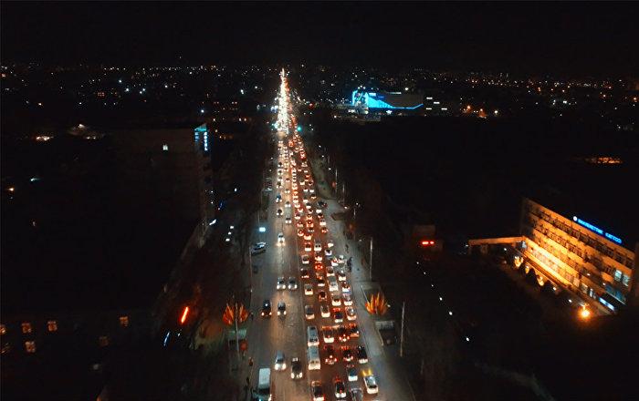 """""""Кара жумага"""" карата Бишкектеги кечки тыгын. Асмандан көрүнүшү"""