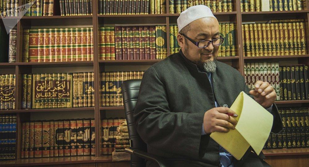 Кыргызстандын мурдагы муфтийи Чубак ажы Жалилов. Архив