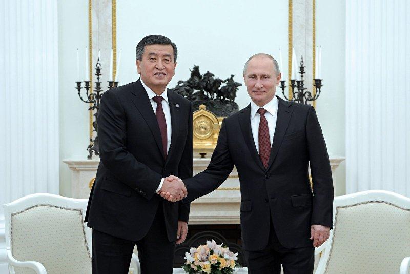 Президент КР Сооронбай Жээнбеков во время встречи с президентом России Владимиром Путиным в рамках рабочего визита в Российскую Федерацию